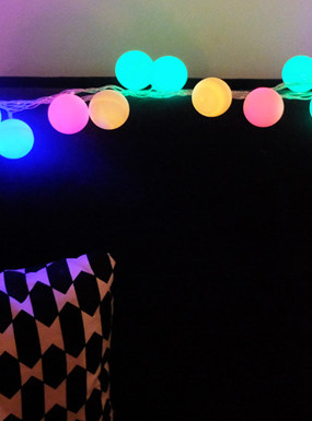 Girlanda świetlna DIY w stylu Cotton Ball Lights
