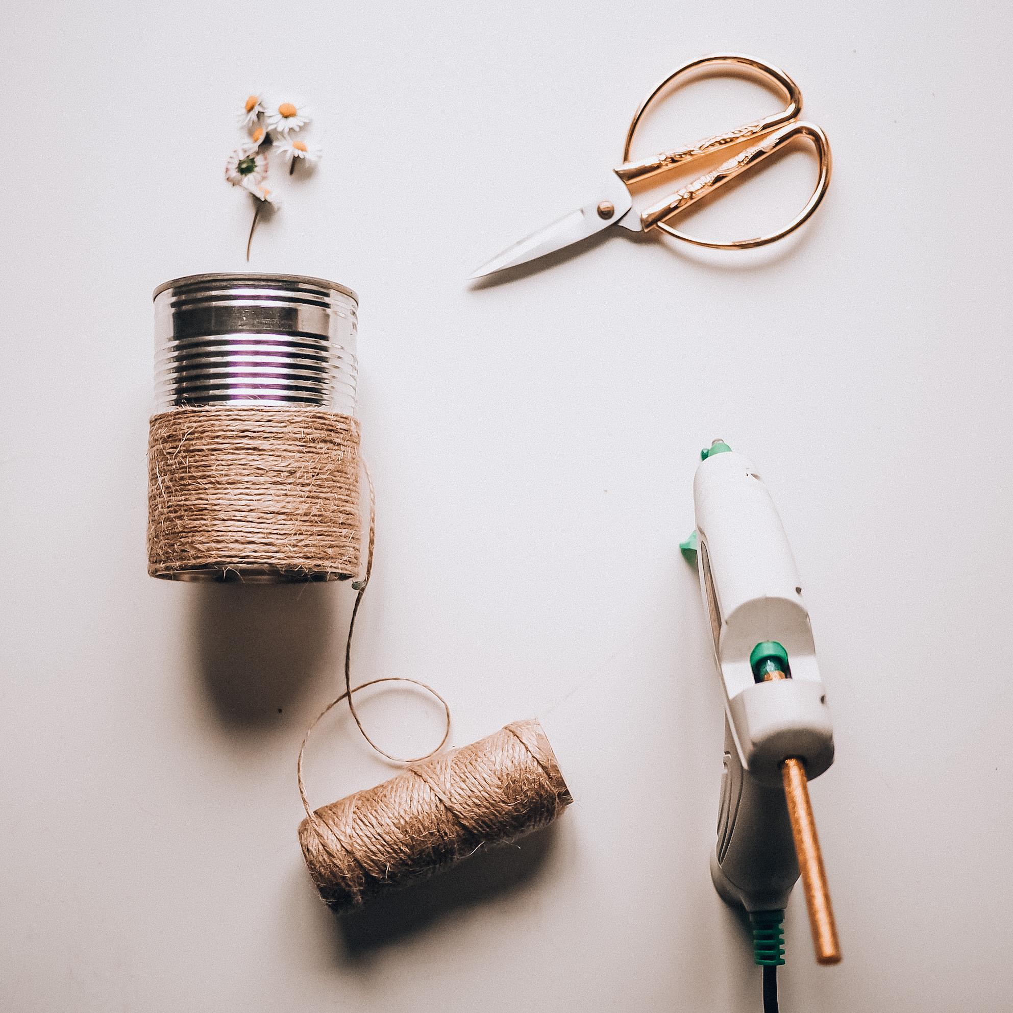 pojemniki z puszek DIY