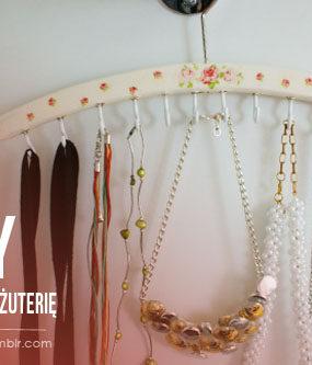 Organizacja biżuterii: naszyjniki