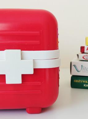 Zorganizuj się na wiosnę: domowa apteczka i organizacja leków