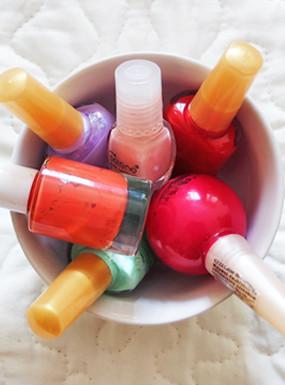 20 kreatywnych pomysłów na wykorzystanie lakieru do paznokci