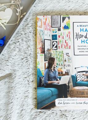 """""""Happy Handmade Home"""" A Beautiful Mess – książka dla miłośników DIY"""