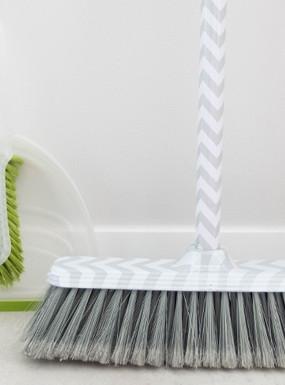 12 trików oszczędzających czas podczas sprzątania