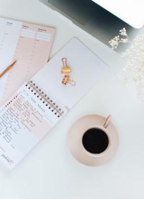 Planowanie krok po kroku. Jak zaplanować posiłki, sprzątanie, pielęgnację?