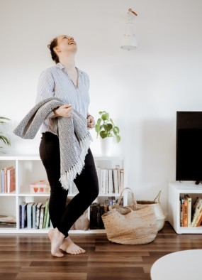 Dom czy mieszkanie – gdzie łatwiej utrzymać porządek?